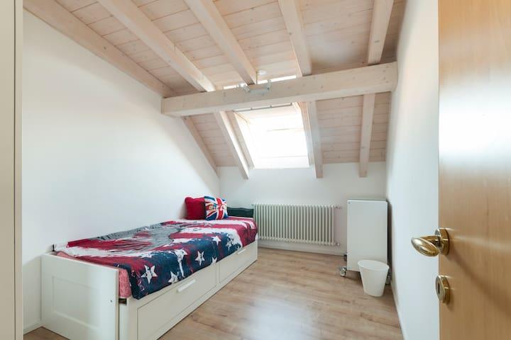 Lovely sunny Room