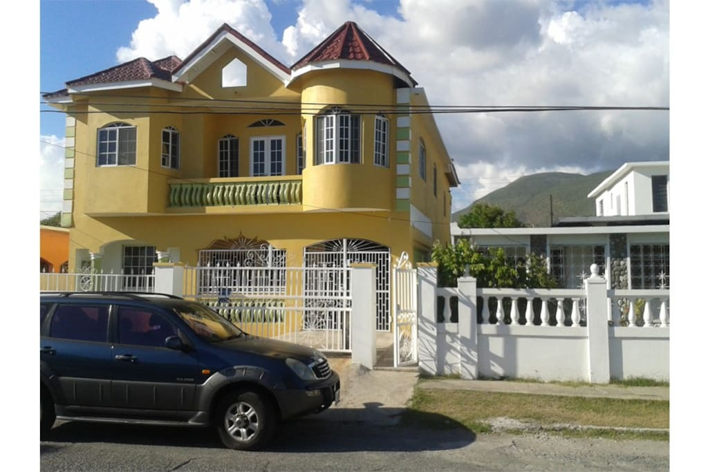 Kings And Queens Apartments Apartments For Rent In Harbour View Saint Andrew Parish Jamaica