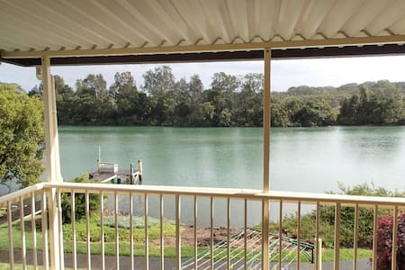 Riverfront Seclusion - Old Bar - House