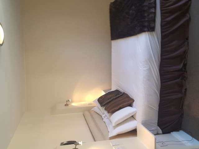 Double room-Standard-Ensuite with Shower-Courtyard view-Room 4