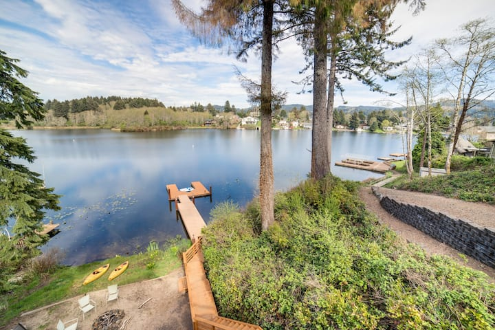 Waterfront home w/ private hot tub, shared dock & firepit - dogs OK
