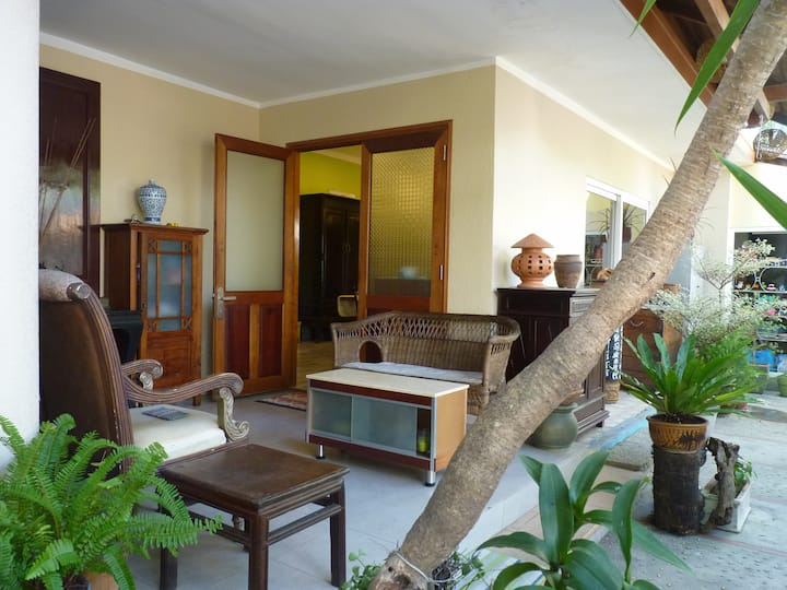 Wonderful villa in quite alley - 1 block from sea