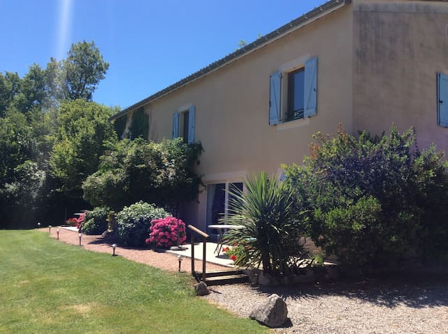 Les Orchidees at La Greze - Castelnau-de-Montmiral - Appartement