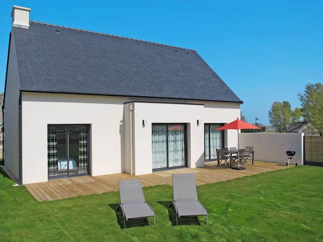 Holiday home in Goulven