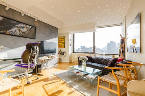 Dazzling Apartment Skyline View in Prime Location