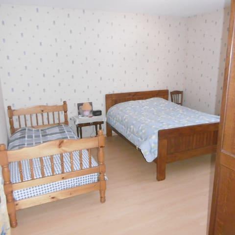 Deux jolies chambres dans grande maison de village - Saugnac-et-Cambran