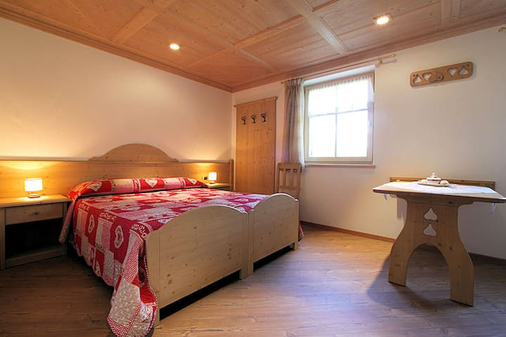 Double room in country style - Cavalese