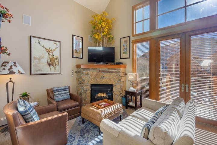 Antlers Gulch #403, Townhouse w/King Bed in Master