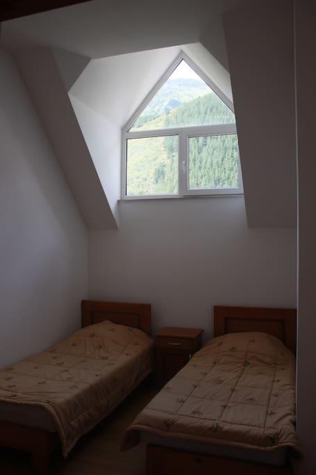 Стандартная комната, С этой комнаты в ночное время открывается очень красивое звездное небо