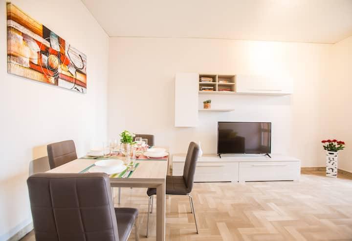 Bright Apartments Desenzano - La Quiete Lake View