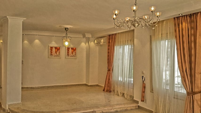 New 500m Luxury Semifurnish Villa LT Rent Alxwst - Alexandria - Villa