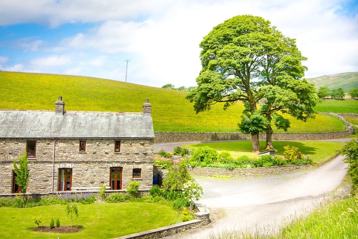 Coomb View at Sandbeds Luxury  Rural  Conversion