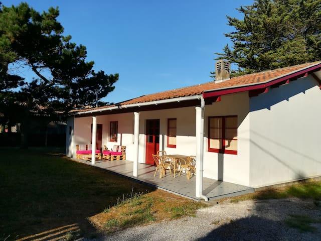 SAMBAIA SURF & YOGA HOUSE