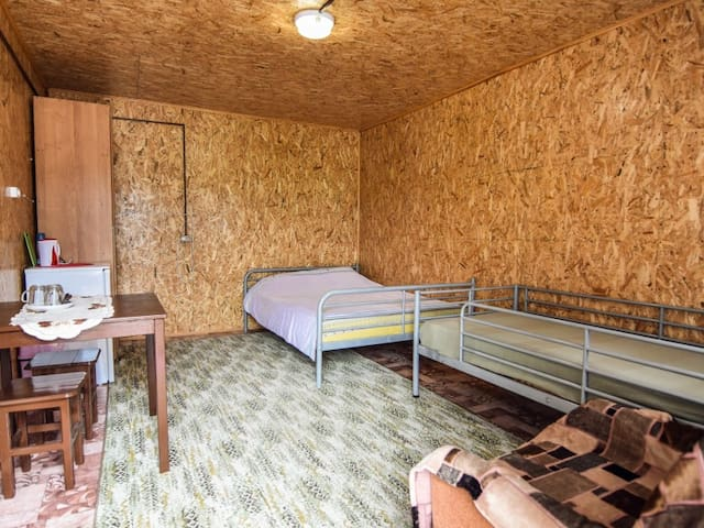 Economy triple, double bed (Phone number hidden by Airbnb) single. Guest House Mama Jan