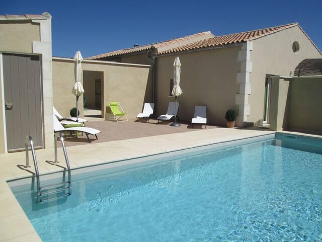 LS1-244 - Agréable location de vacances avec piscine à Aureille, dans les Alpilles -  6 couchages