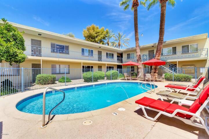 Luxurious Old Town Scottsdale Condo