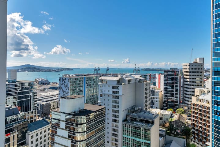 Auckland City Apt for 2, Stunning View,Ex Location