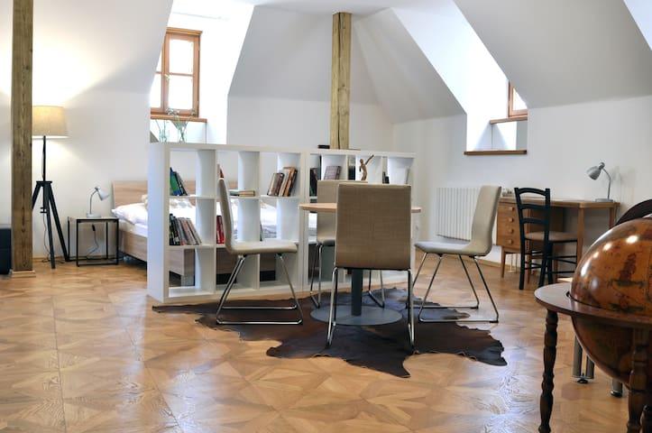 Keglevich Palace - Beethoven Apartments - Grand Sonata Apartment - Bratislava - Byt