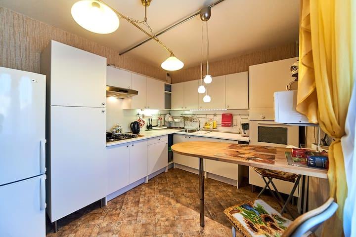 Уютная квартира недалеко от центра города - Smolensk