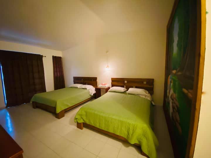 Hotel Shangri-La: Habitación Doble 208 Planta Alta