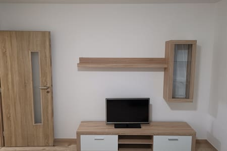 Moderný 2 izbový byt v krásnom prostredí.