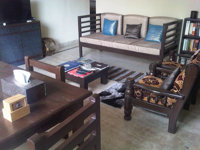 Fully furnished Cosy House, Awesome Himalayan View