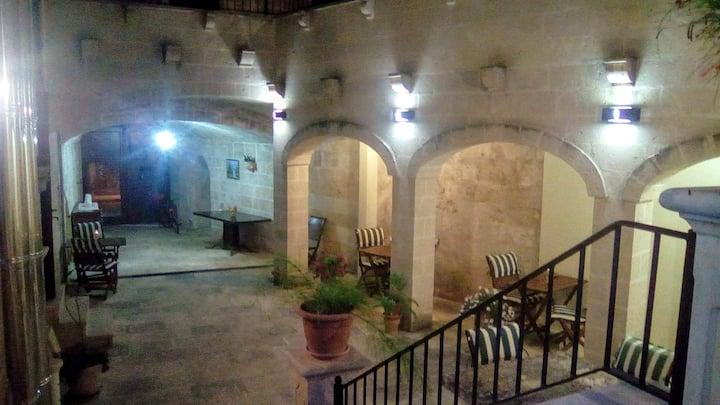 """Palazzo Mellacqua - """"Stanza Gialla"""""""