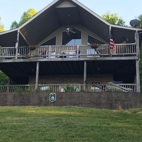 Nana's Lakehouse