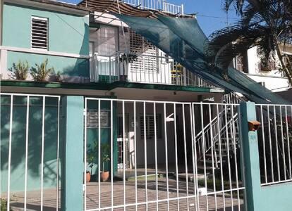 Habit. Privada con acceso a Terraza vista al Mar - cienfuegos, cuba - Andre