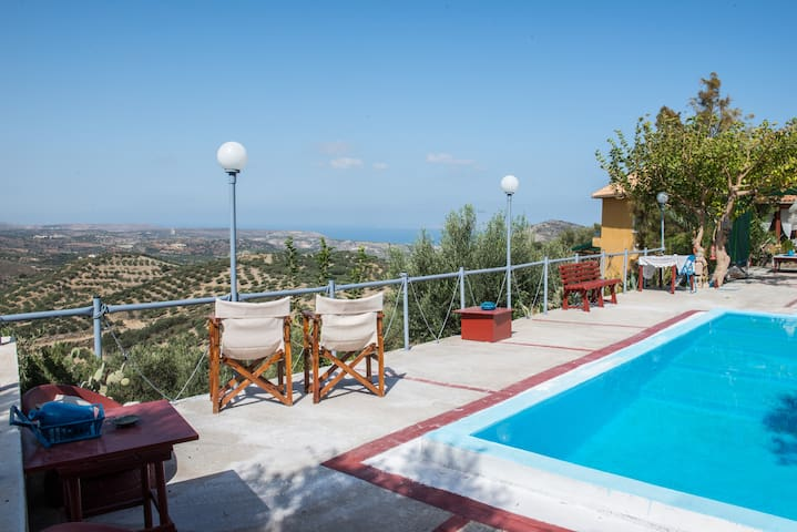 House with private pool, isolated unique view. - Kalo Chorio - House