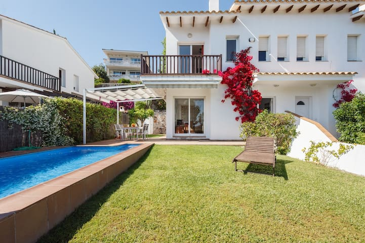 VILLA FLORA with Private Pool.