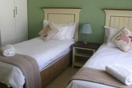 Twin room at Twin Rose Garden B&B - Room 3 - Gaborone