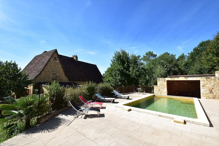 Casa de lujo de vacaciones en Domme con piscina