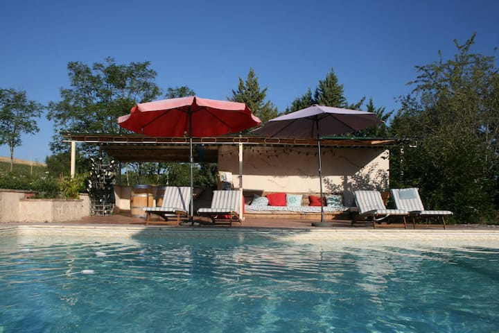 Superb Cottage with Swimming Pool in Fayssac France