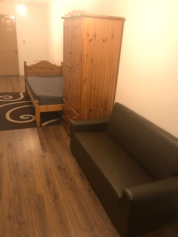 En-suite studio near City Centre