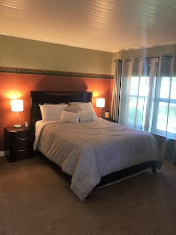 Large Bedroom in Popular Southeast Side
