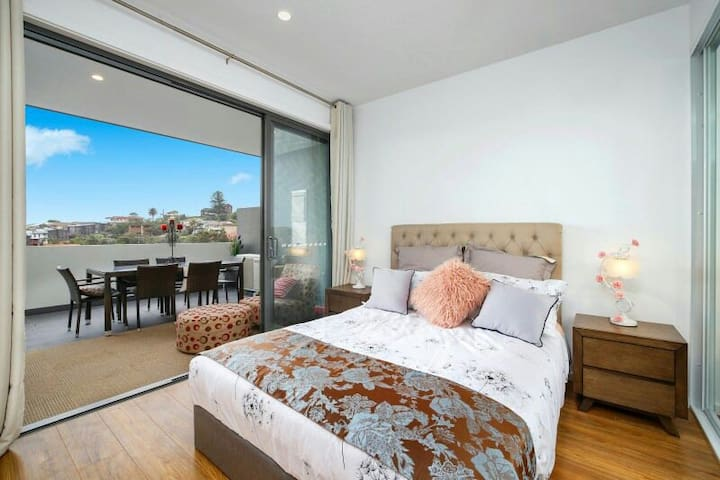 Apartment- Terrigal Oceanside