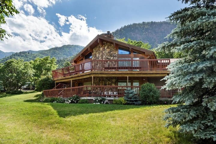 Scenic Mountain House near Carbondale