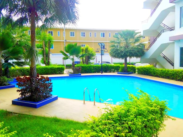 Studio Pattaya-East with large Pool (Chockchai 1)