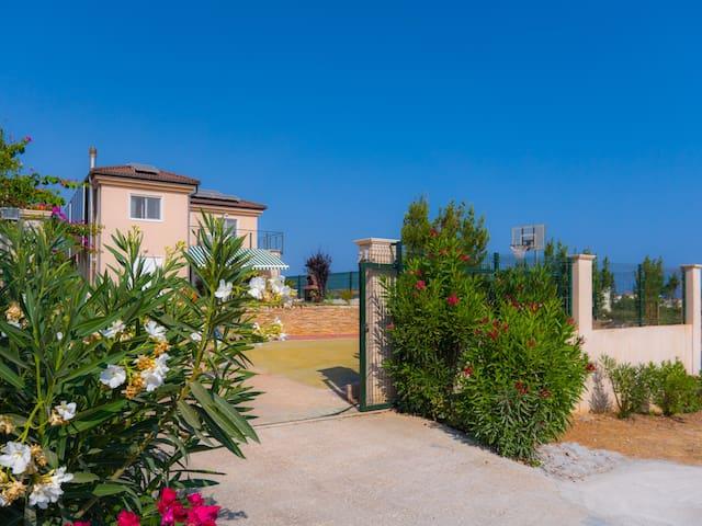 Villa Thalatte - Gournes - Lejlighed
