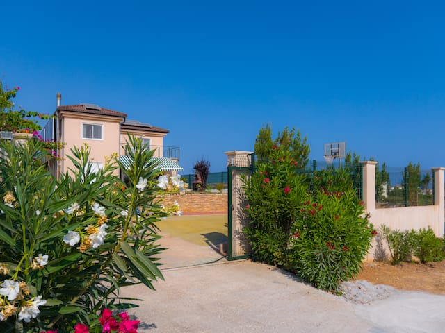 Villa Thalatte - Gournes - Apartment