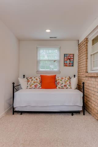 Twin day bed with twin trundle bed in Nusery/Study (attached to queen bedroom)