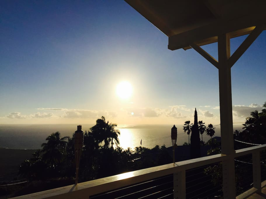 The beautiful sunset from the lanai.