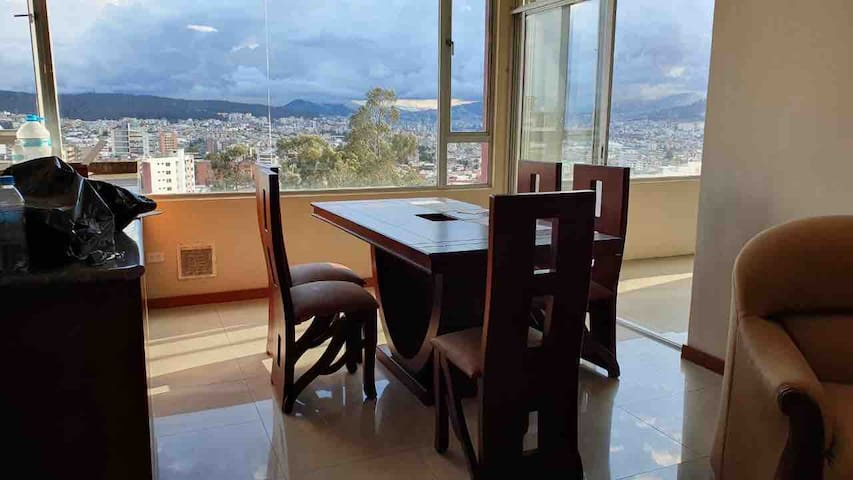 Beautiful, wide and comfortable Penthouse in Quito