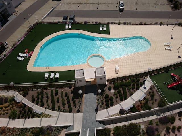 lo redondito es la piscina para niños
