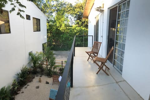 Ha'Dolfin18 - cozy housing close toFlamingo beach