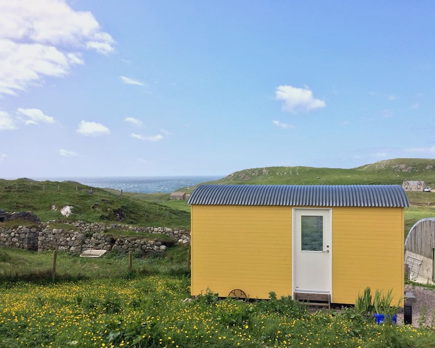 The Yellow Shepherd's Hut at Mangersta Croft Holidays.