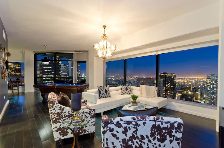 URBAN DTLA LADIES&GENTS POOL TABLE PENTHOUSE+5BED