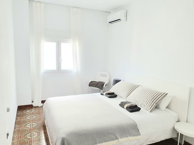 ALICANTE CENTER WIFI ROOM TO RENT2