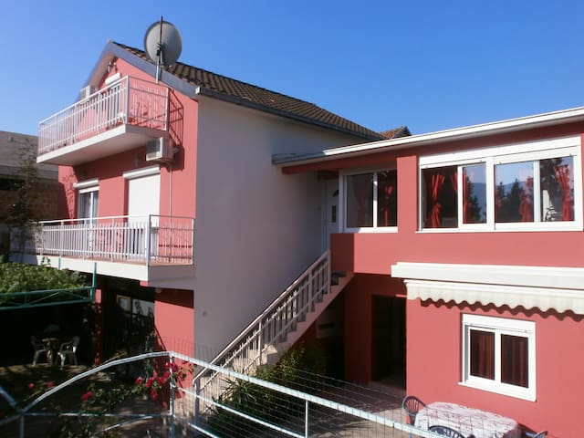 Maksimovic studio (3)